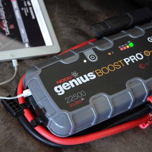 Зарядно NOCO G7200 12/24V 7.2A  с бустер NOCO GB150 12V 4000A