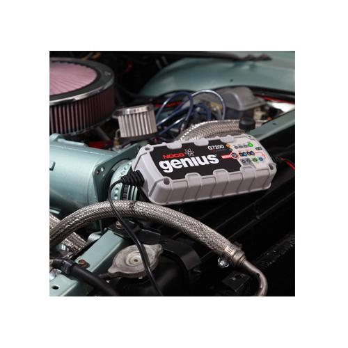 Зарядно NOCO G7200 7.2A 12/24V с акумулатор BANNER 84Ah 720А R+